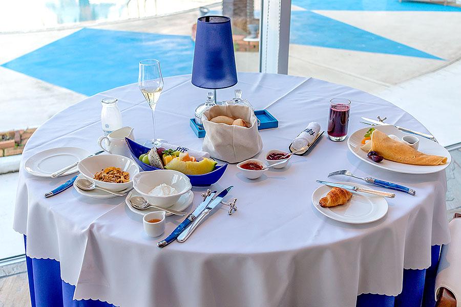 Hotel Limani breakfast