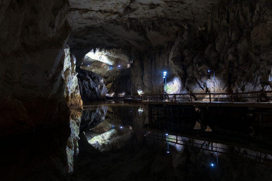 akiyoshido cave hike in Japan